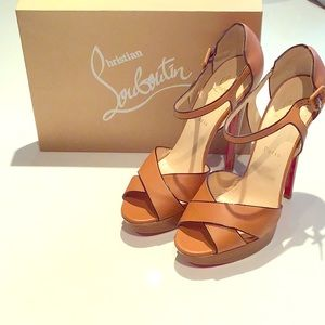CHRISTIAN LOUBOUTIN SHOES SZ 41